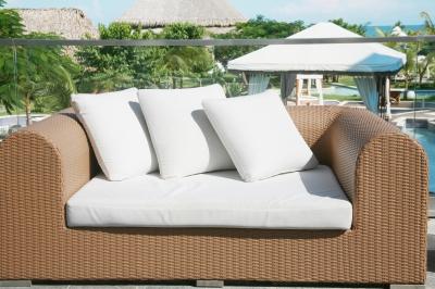 furnishing your balcony